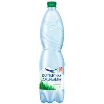 Вода мінеральна слабогазована Карпатська джерельна 1,5л
